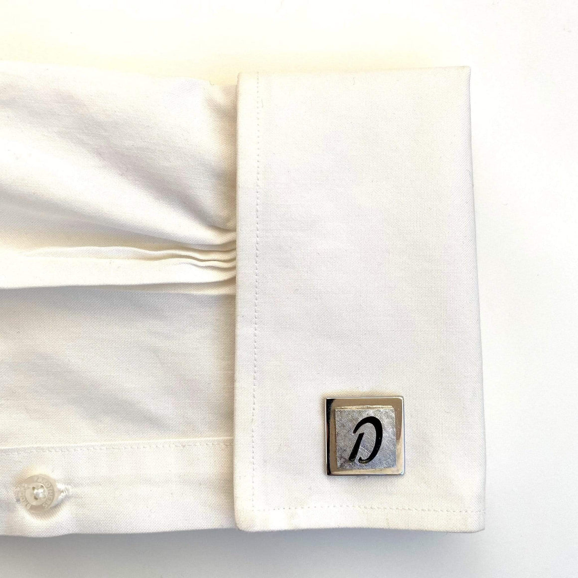 kristina iulo | a private vintage collection Men's Clothing & Accessories Vintage 1970s Swank Monogram 'D' Silver Square Cufflinks