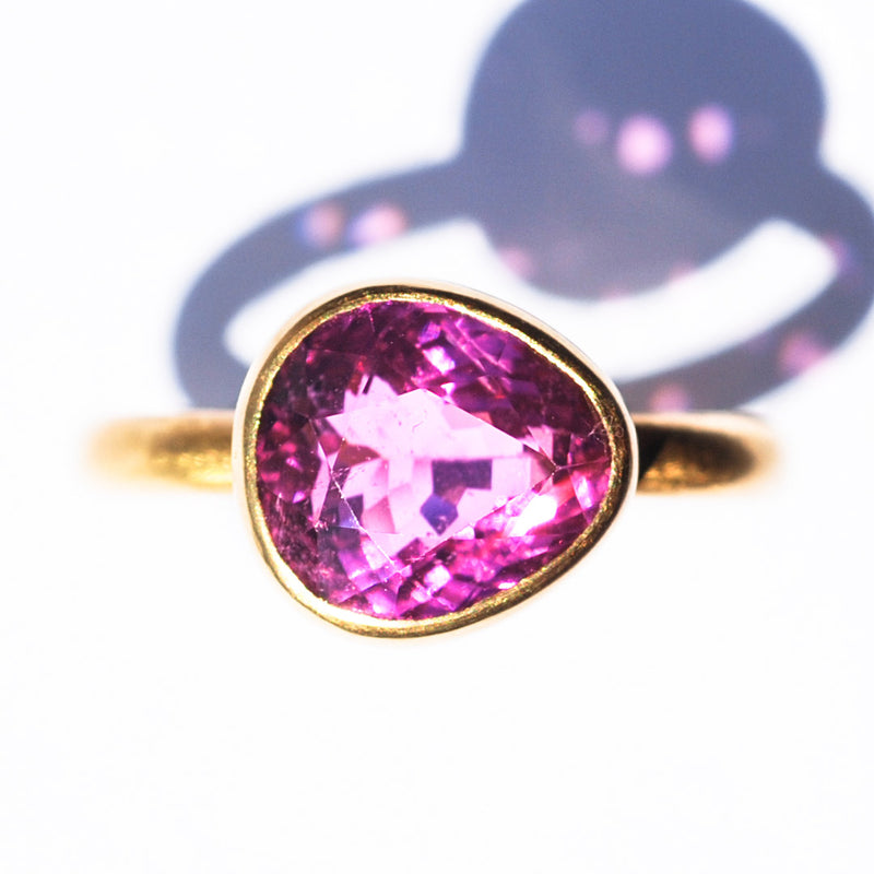 bague-marie-helene-de-taillac-princesse-tourmaline-rose-cyclamen-or