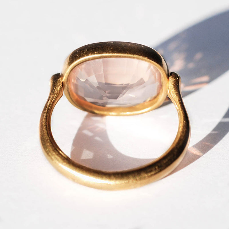 bague-marie-helene-de-taillac-quartz-rose-rectangulaire-or
