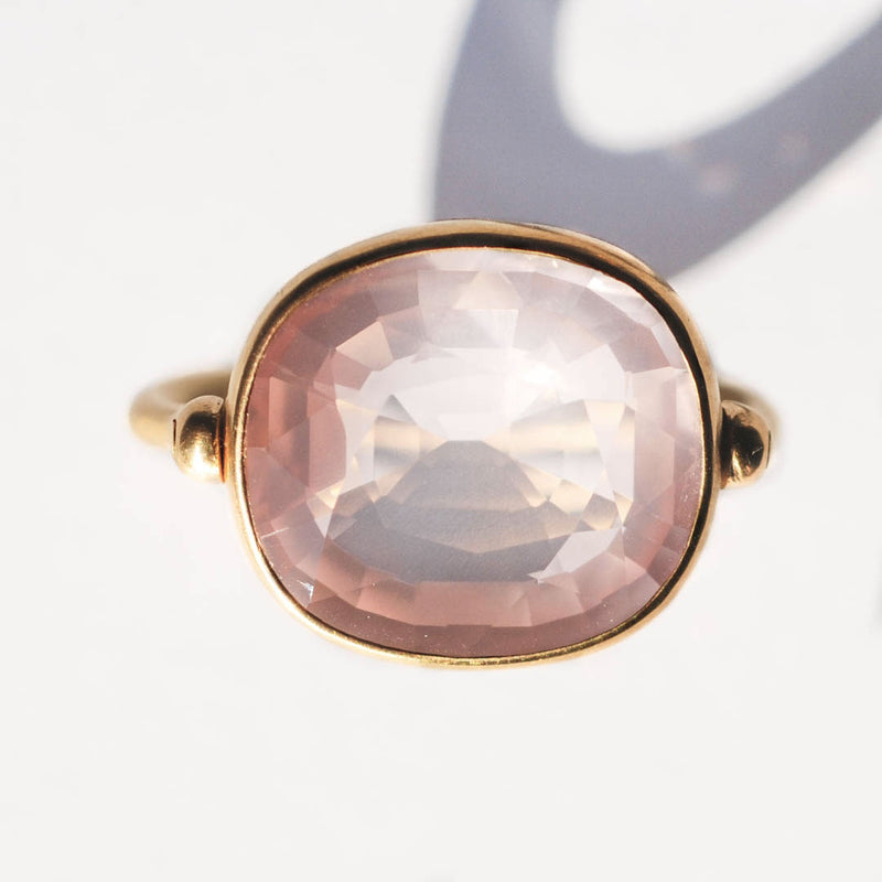 bague-swive-quartz-rose-rectangulaire-marie-helene-de-taillac-or