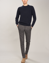 Load image into Gallery viewer, Cashmere crewneck sweater