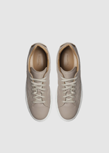 Load image into Gallery viewer, Leather sneakers
