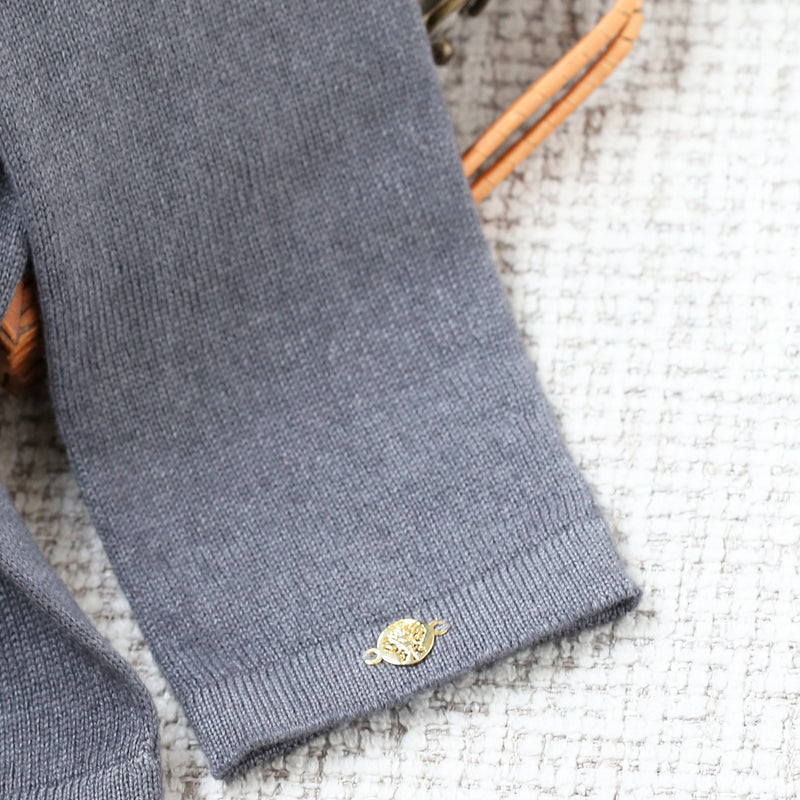 Fitted Arm Sleeves Cashmere & Silk In Charcoal with Yogamere Charm