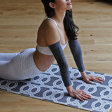 Yogamere Ravi Marga Double-Sided Yoga Mat in Charcoal