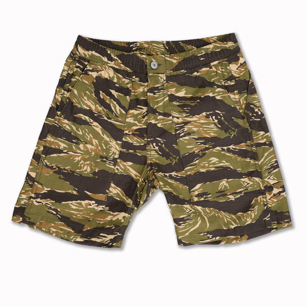 Fatigue shorts in Tiger Camo