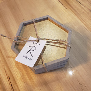 Coaster set of 3 made of concrete in a zero waste environnement