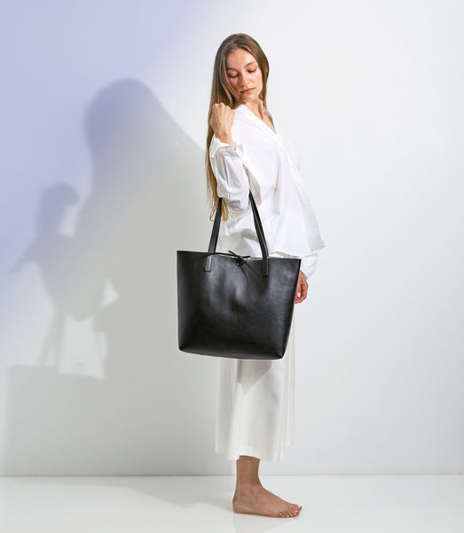 Kala Reversible Tote | Black + Silver - A R A M L E E ® Convertible Transformable Italian Leather Handbag Backpack Purse