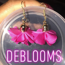 Load image into Gallery viewer, DeBlooms Earrings