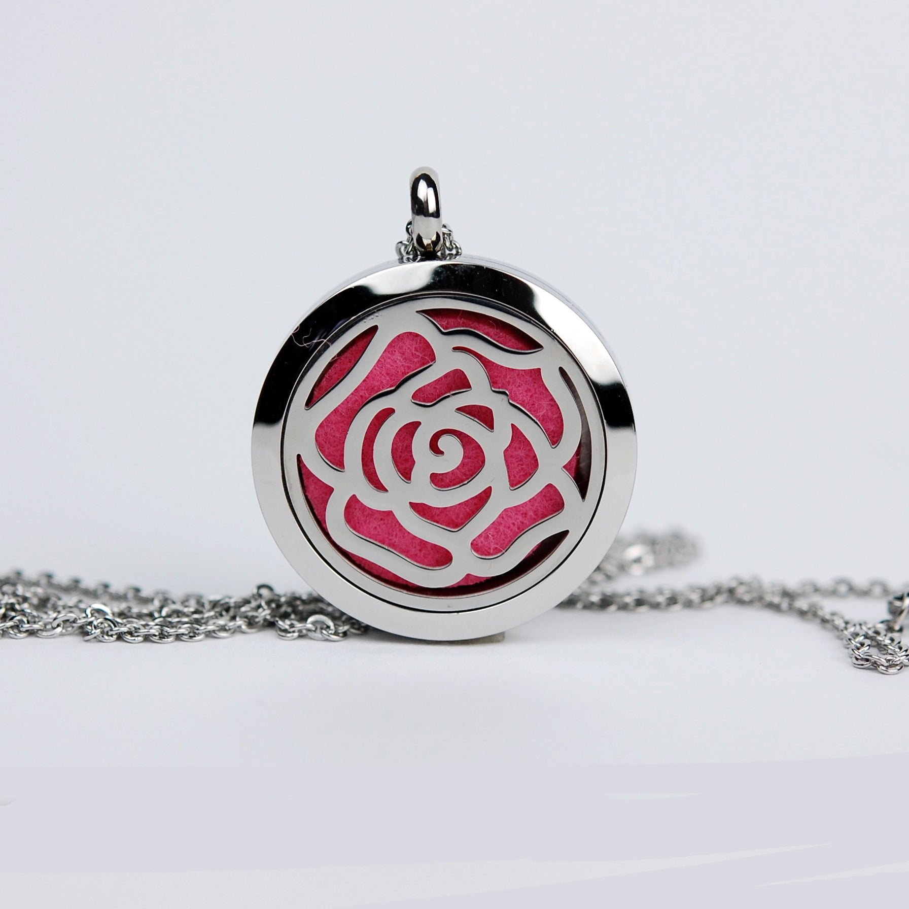 Aromatherapy Locket and Necklace: Wild Irish Rose