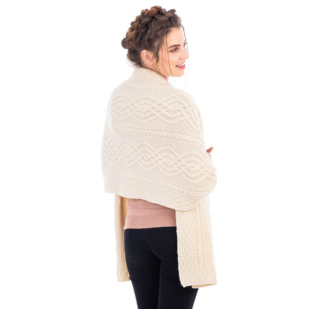 Classic Cable Wool Shawl: Natural