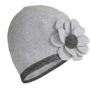 Lambswool Knit Hat: Feather Grey