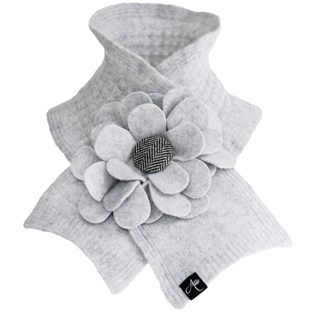 Lambswool Knit Neck Wrap: Feather Grey