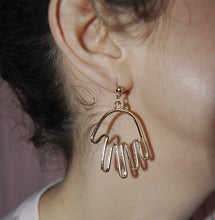 Load image into Gallery viewer, Hands Earrings