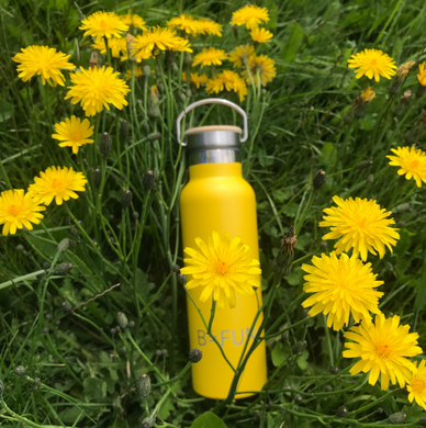 B.FUN Original Drink Bottle - This is a yellow thermally insulated drink bottle.