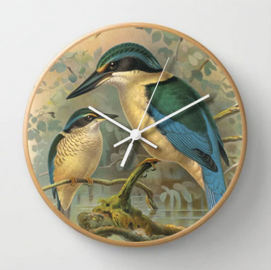 Kingfishers Clock in full colur with a wooden frame.