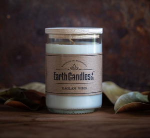 Raglan Vibes Soy Candle from Earth candles. Proudly made in New Zealand from re purposed bottles. This one is 360 grams