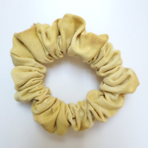 Open image in slideshow, Scrunchies- Naturally dyed