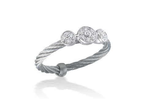 Classique Triple Round Diamond Station Ring - Grey