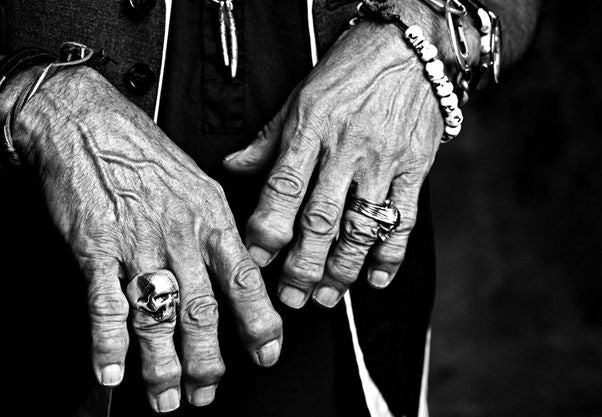 keith-richards-skull-ring