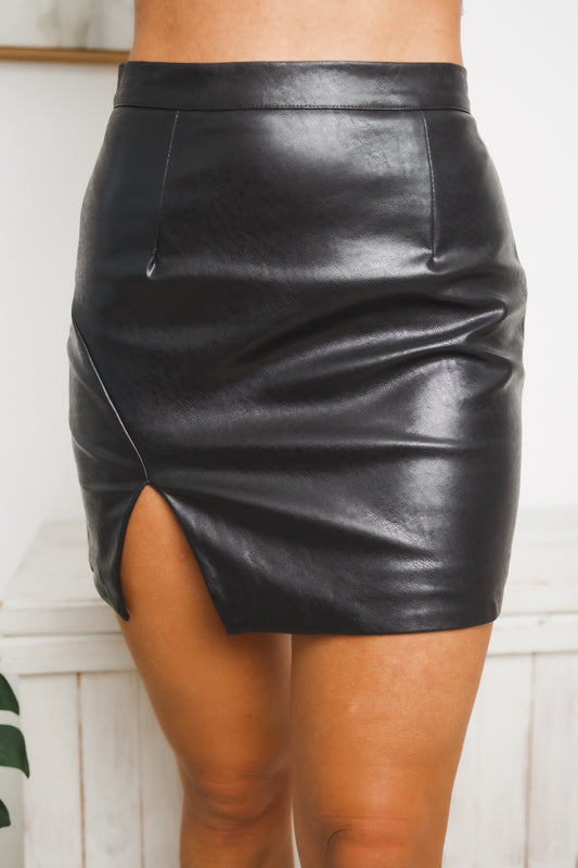 SKYLAR MINI SKIRT - Black Leather