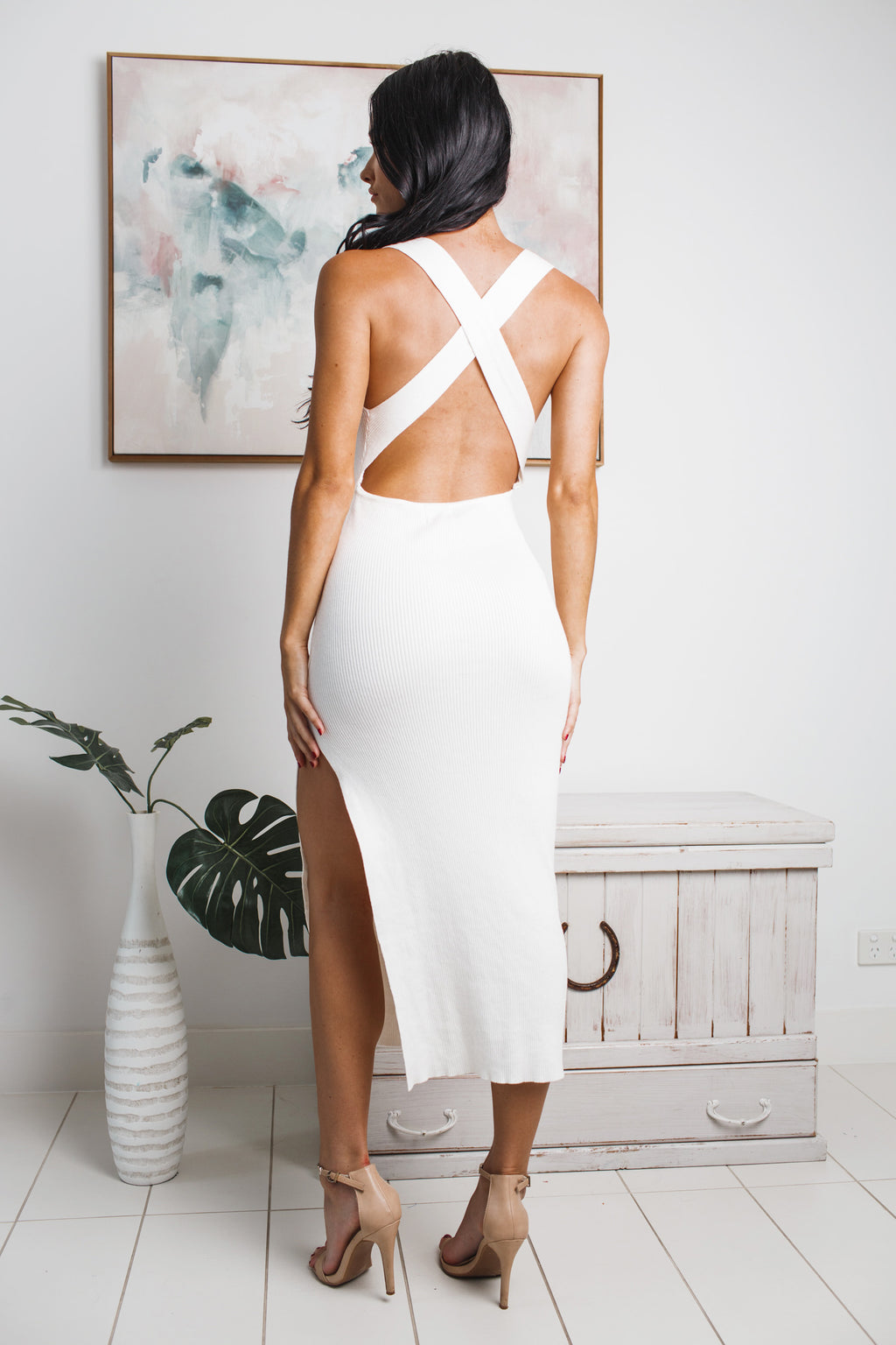 ARIYA BACKLESS KNIT MIDI DRESS - White