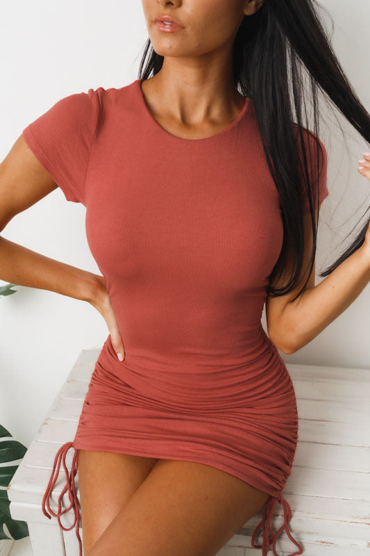 BASIC BABE MINI DRESS - Rust