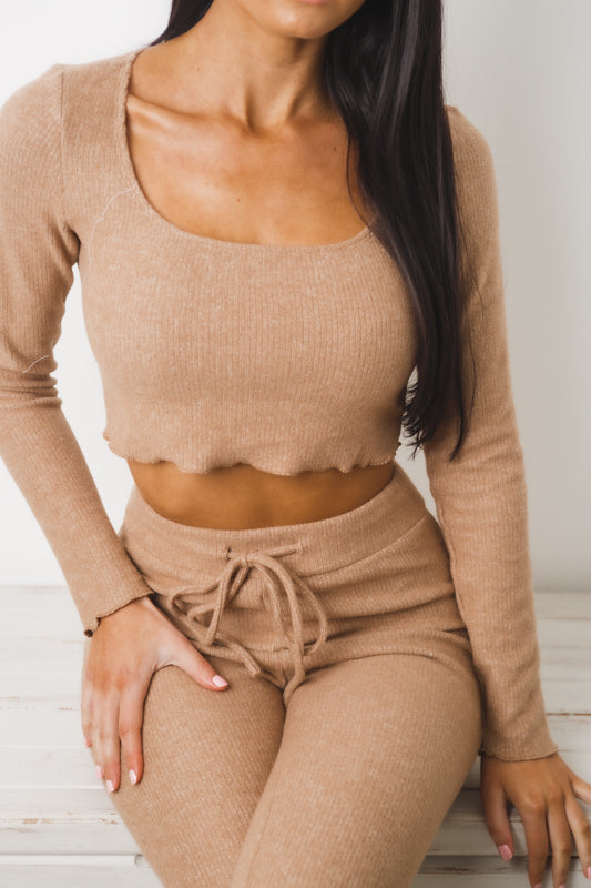 MIA LONG SLEEVE CROP TOP - Tan