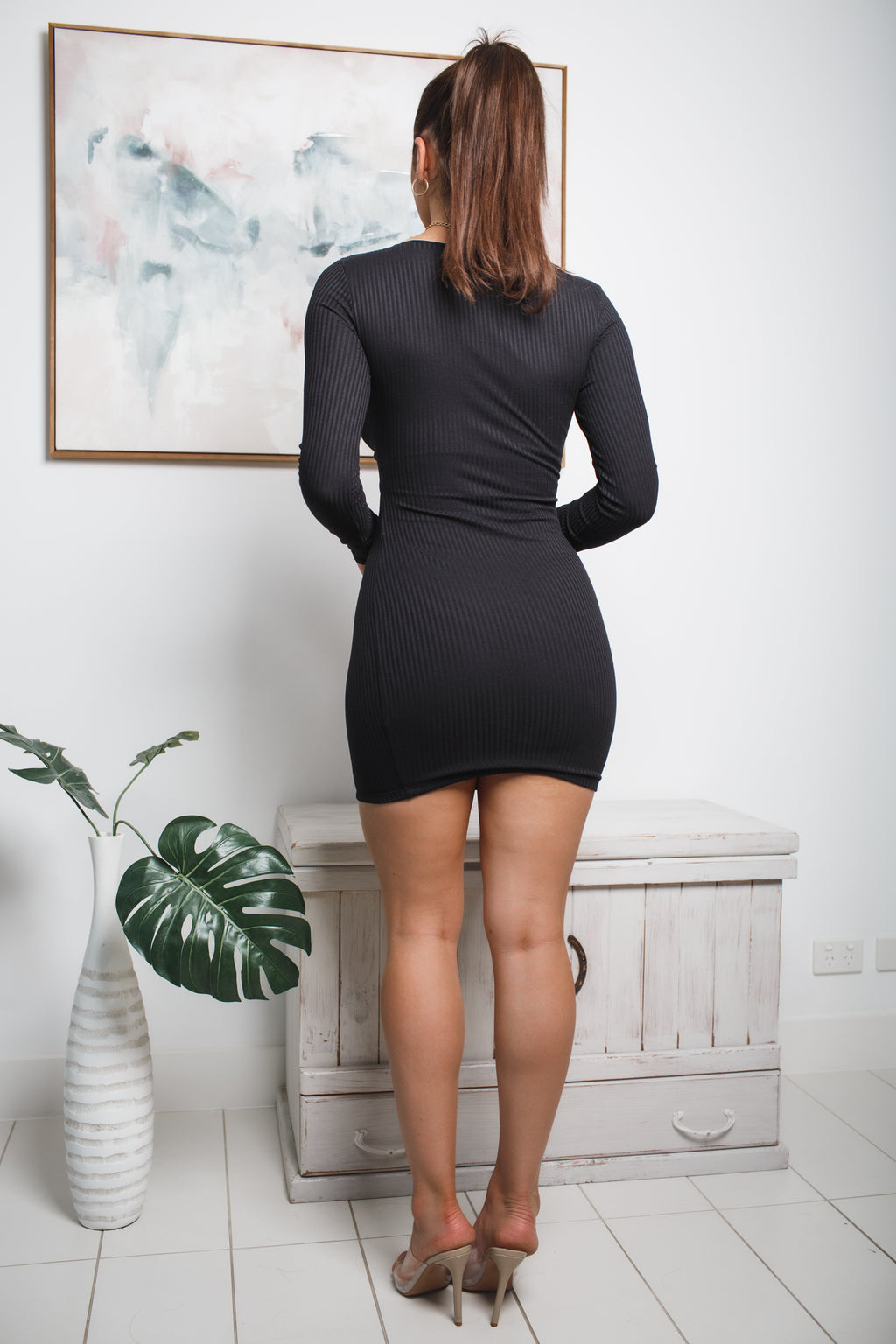 MEAGAN LONG SLEEVE MINI DRESS - Black