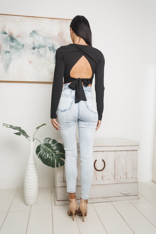 KLORA LONG SLEEVE CROP TOP - Black