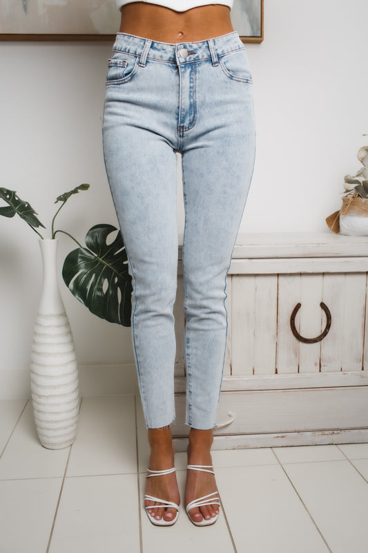 IRIS MID RISE SKINNY JEANS - Washed Denim
