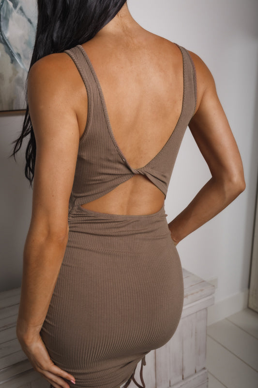 OPAL BACK CUT-OUT MINI DRESS - Brown