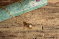Dainty Apple Pendant Necklace - 9k Gold Diamond & Pearl