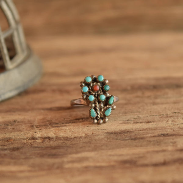 Flower shaped turquoise cluster ring vintage