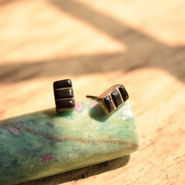 Zuni Inlay onyx stud earrings - Native American Gemstone Jewelry