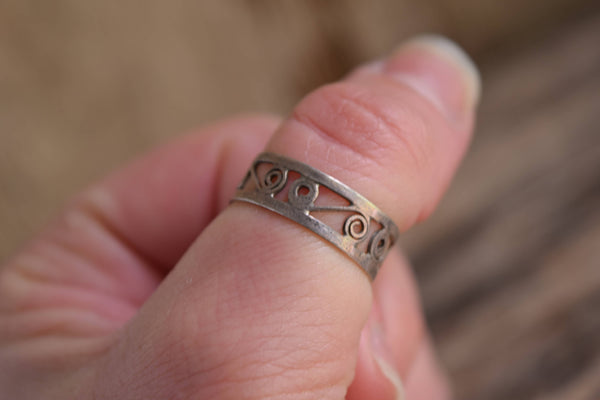 Swirl Band Ring