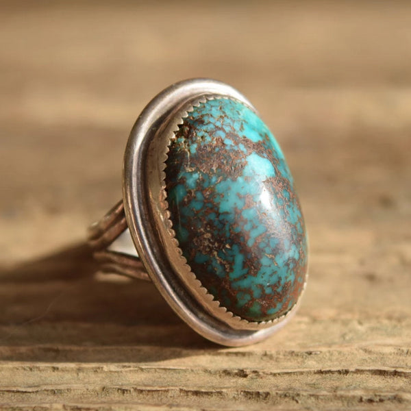 Big Oval Turquoise with beautiful matrix size 9