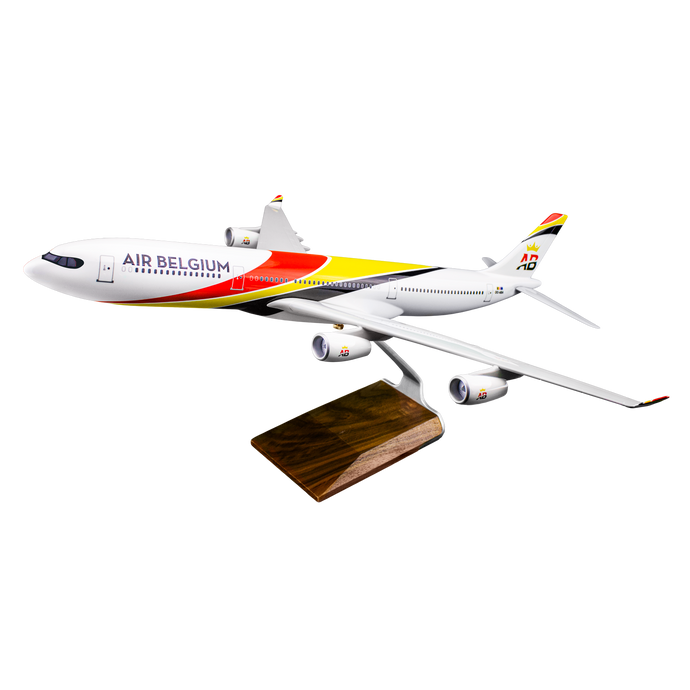 Aircraft model AIRBUS A340-300 (scale 1:100)