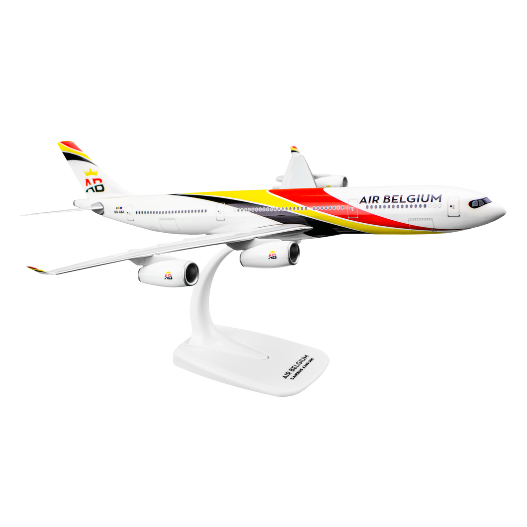 Aircraft model AIRBUS A340-300 (scale 1:200)