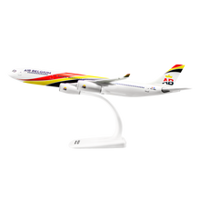 Load image into Gallery viewer, Aircraft model AIRBUS A340-300 (scale 1:200)