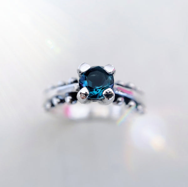 Anillo Flo Pituco Topacio London Blue