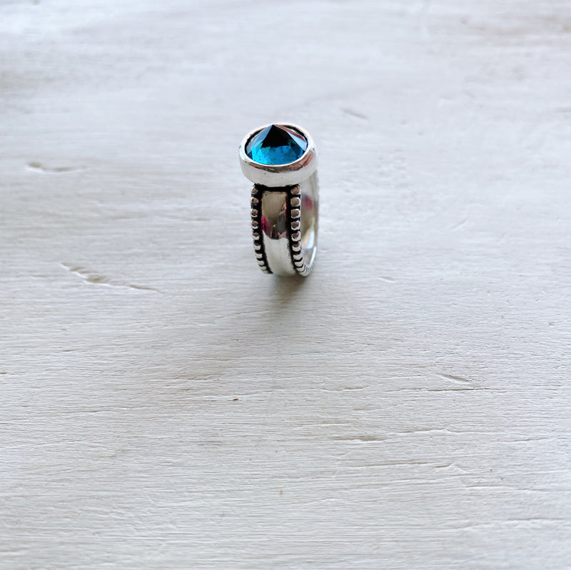 Anillo Lara Topacio London Blue Spike