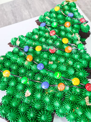 Christmas tree cake (7 Day Notice Required, last day to collect 24th Dec)