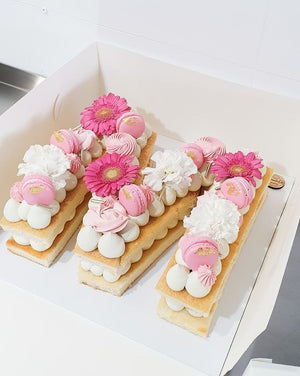 Floral Number/Letter Cakes (Minimum 3 days Required)