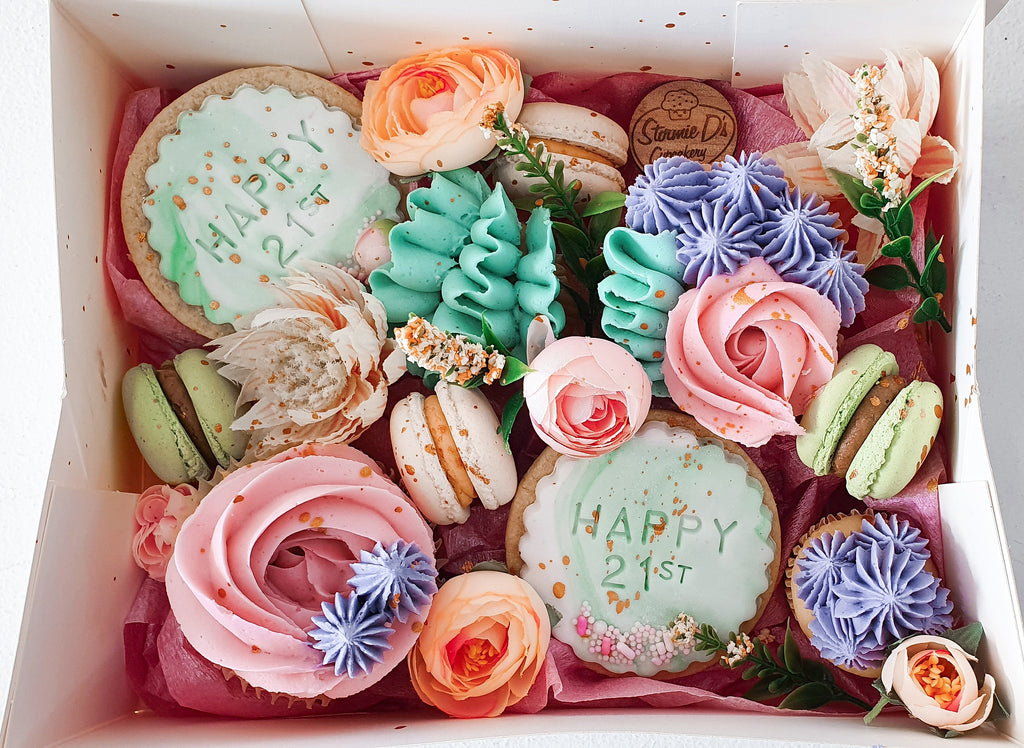 Dessert Box - Custom Floral Box (2 days minimum notice)