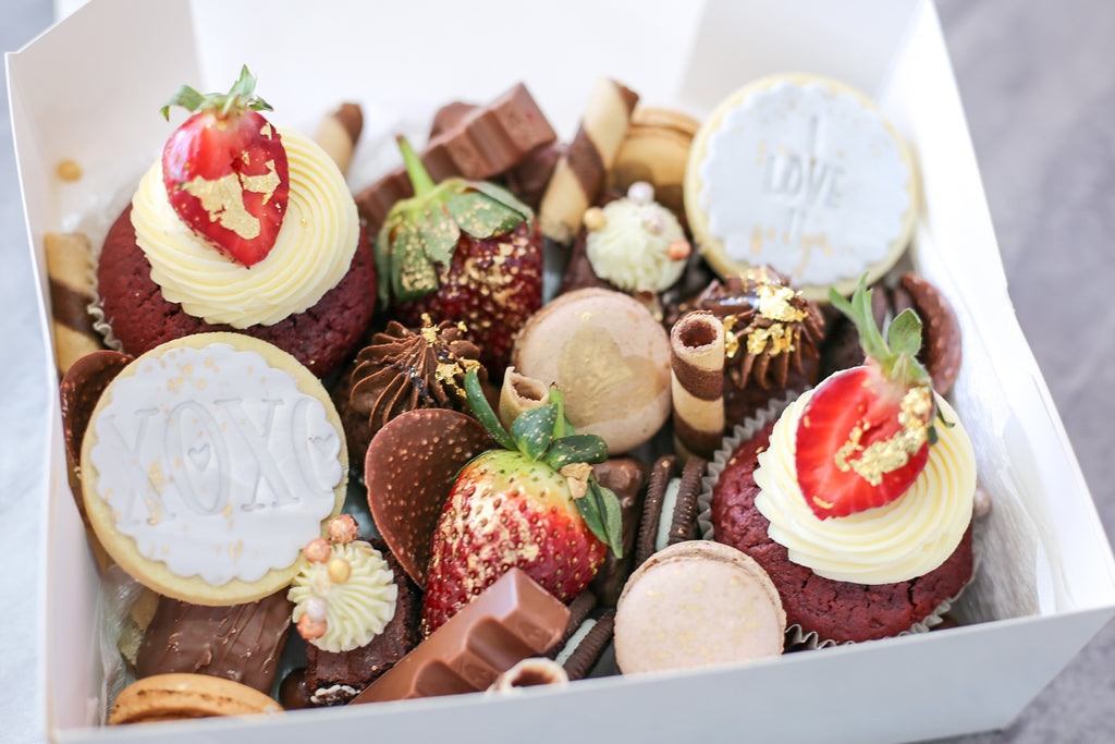 Strawberries Dessert Box  (2 days minimum notice)