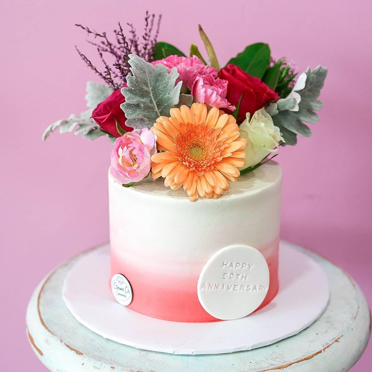 Ombre Full Floral Cake with Text Plaque (3 Day Notice Required)