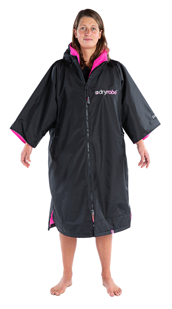 dryrobe Advance Short Sleeve Black with Pink Fleece