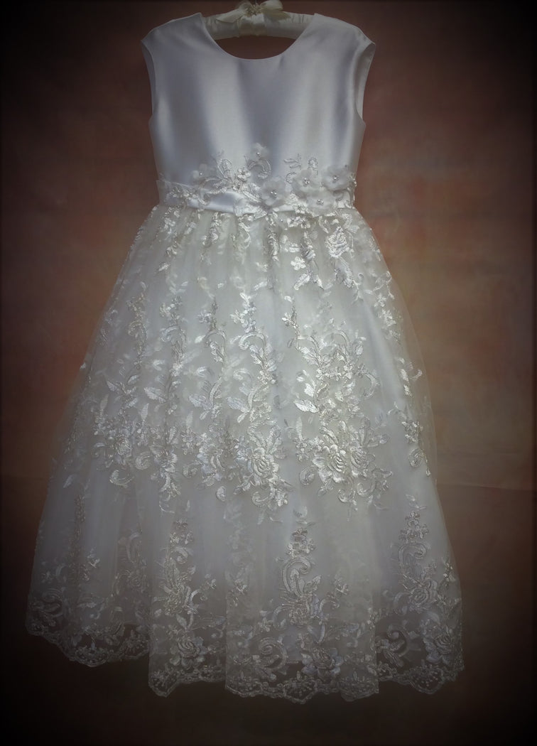 T652 Designer Communion Dress