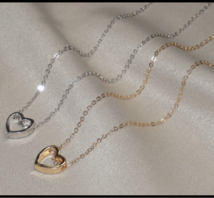 FALLING FOR YOU GOLD HEART NECKLACE
