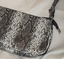 Load image into Gallery viewer, NINA FAUX ANIMAL PRINT HANDBAG- SNAKESKIN